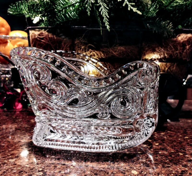 Beautiful Clear Glass Sleigh Christmas Holiday Candy Nut Dish
