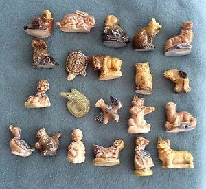 Lot of 20 - Red Rose tea figurines