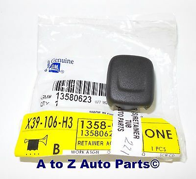 NEW 14-16 Chevrolet,GMC,Cadillac Center Console Power Outlet Plug Cover / Cap,OE