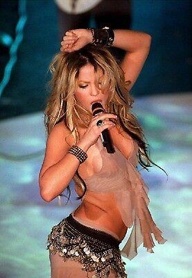 Shakira Unsigned 8x12 Photo (52)