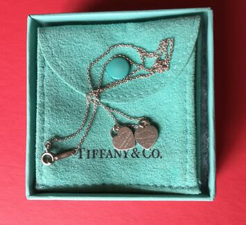 Free Shipping.Genuine Tiffany & Co Mini Double Heart Necklace
