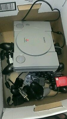 Sony PlayStation 1 Gray Console (SCPH-7501)