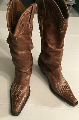 Ladies Leather Boots by Spurs size 5.5 B Front Design soft Brown Leather uppers Soft Womens Spur