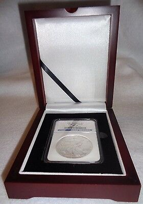Wood Display Box For 1 Certified Coin Slab NGC, PCGS or ANA - Mahogany Finish
