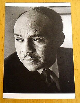 PENGUIN MODERN CLASSIC WRITERS ~ RALPH ELLISON ~ PRINTED POSTCARD ~ NEW