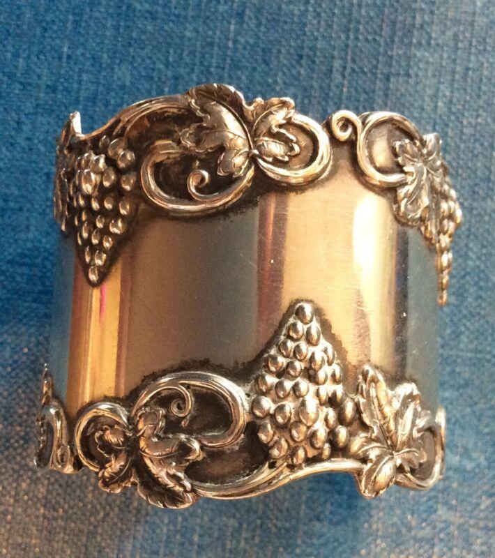 Grape Cluster And Vines Sterling Silver Napkin Ring Serviette Holder