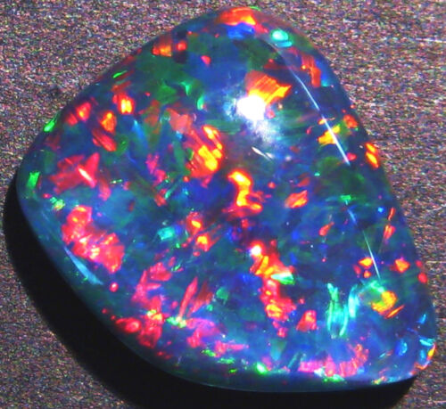 Beautiful Australian Opal Triplet Super Gem Grade Bright multicolours (1626)