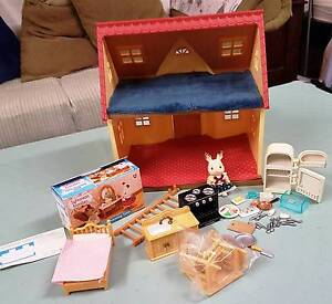 Sylvanian Families Sycamore Cottage & Extras Gaythorne Brisbane North West Preview