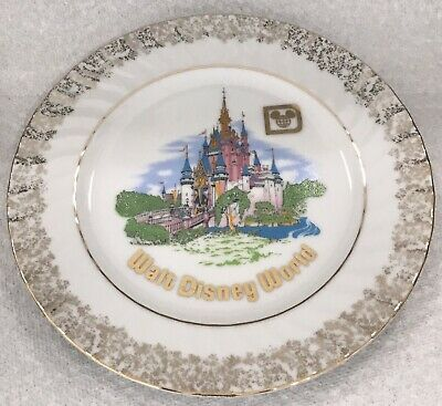 Vintage Walt Disney World Castle Souvenir Hanging Decorative Plate Made In Japan