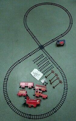 Electric Christmas Train Set Over 20' of Track, Engine Lights Up / Smokes Music