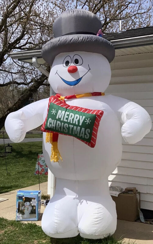 Warner Bros FROSTY THE SNOWMAN 10 Feet Christmas Airblown Inflatable With Light