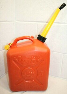 Vintage Scepter Vented Gas Can 2.5 Gallon J10 W Spout Clean Dry Inside