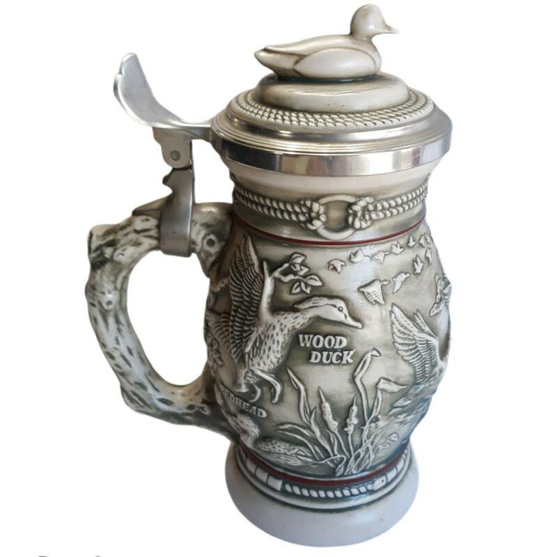 """Vintage Avon Beer Stein Mug Cup Gray 1988 Ducks Of American Wilderness 9.5"""""""
