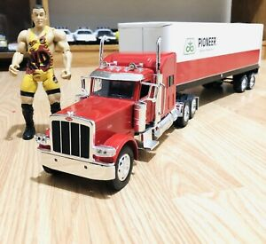 Huge Die Cast Metal Semi Truck & Trailer 1:24 Scale