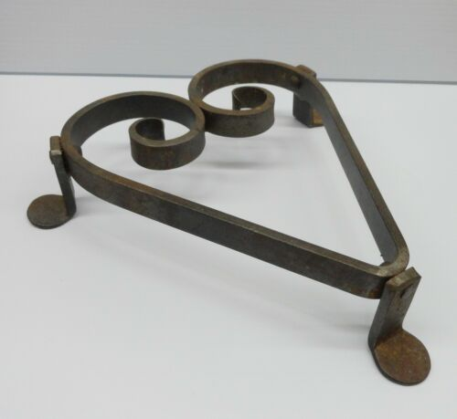 Cast Iron Primitive HEART TRIVET country rustic Modern Contemporary