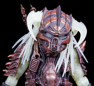 NECA-STALKER-PREDATOR-FIGUR-GLOW-IN-THE-DARK-NEU-OVP