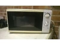 white microwave. Can be seen working. Very good condition. Collection only from Chaddesden