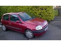 renaut clio for parts or drive..