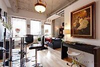 luxurious condo in heart of downtown(pool+sauna+gym+play room)
