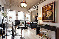 Luxurious condo in heart of downtown+furniture+pool+gym
