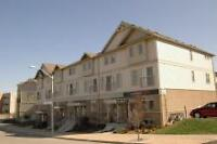 3 bdrm executive townhouse in Waterloo at Laurelwood & Erbsville