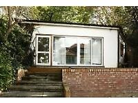 one bedroom garden annexe in a quiet residential of Golders Green/Hampstead/Finchley Road borders