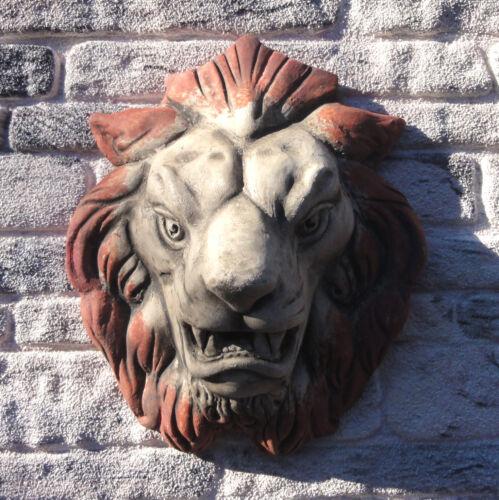 Löwenkopf. Wandrelief aus Terrakotta
