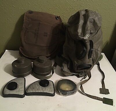 Vintage U. S. Military M17A2 Chemical Biological Field Gas Mask Case And Extras