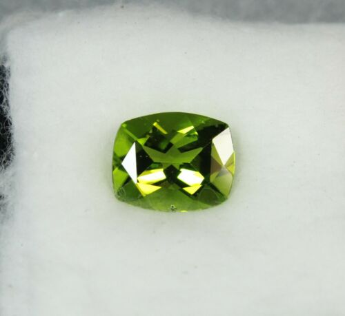 5.4ct PERIDOT Cushion cut Gemstone 10x12mm NATURAL stone