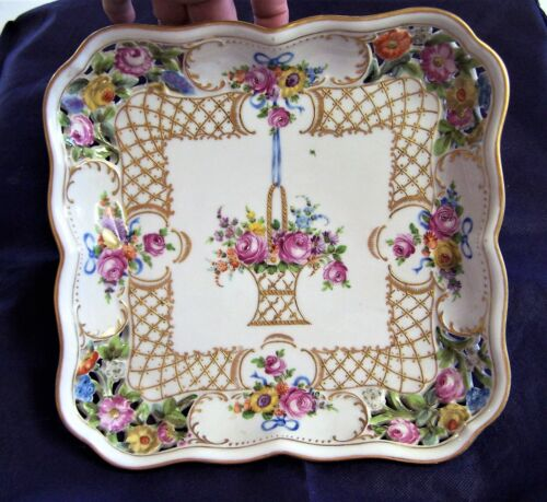 "CARL THIEME  DRESDEN  RETICULATED 10"" SQUARE DISH"