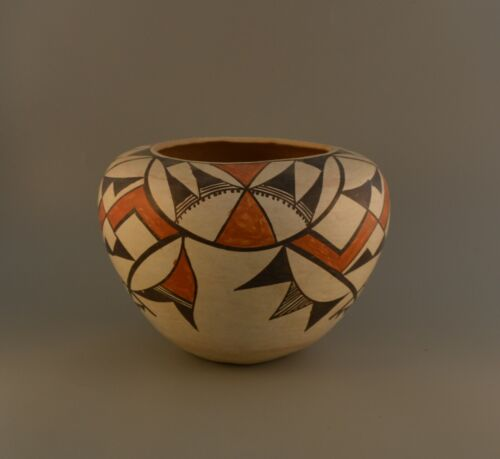 Old Traditional Acoma Pueblo Indian Pot -  Squash Blossom Polychrome  6.5 x 8.5