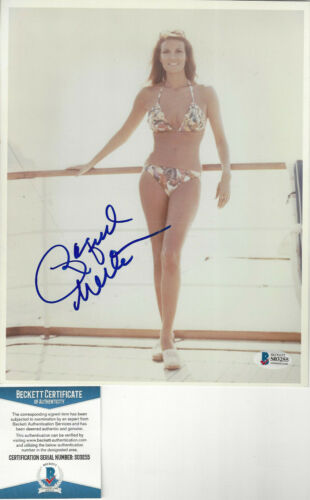 Raquel Welch autographed 8x10 beauitful bathing suit  photo Beckett  Certified
