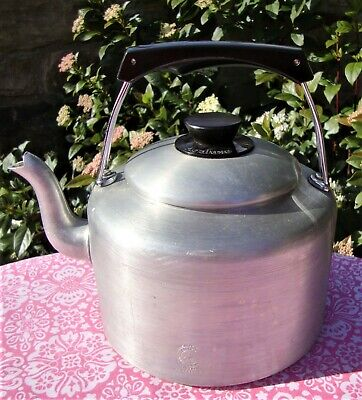 Vintage Pyramid Agaluxe Stove Top Kettle - Holds 3 Litres - Very Good Condition