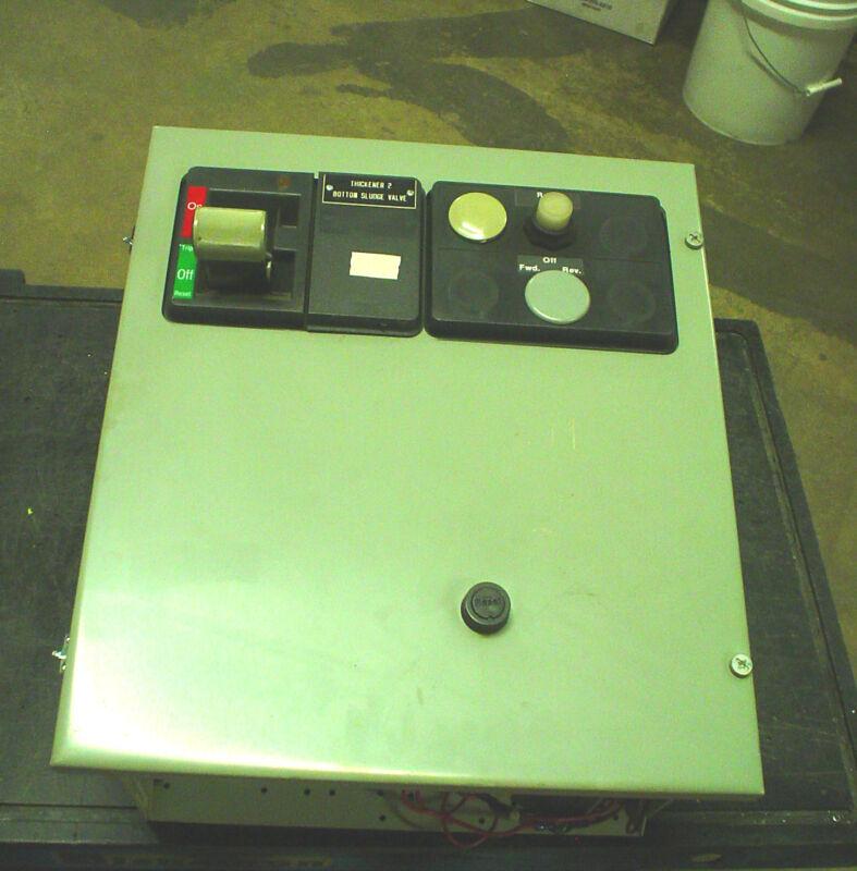"""Westinghouse 2100 18"""" MCC Reversing 15A NEMA 1 motor control center"""
