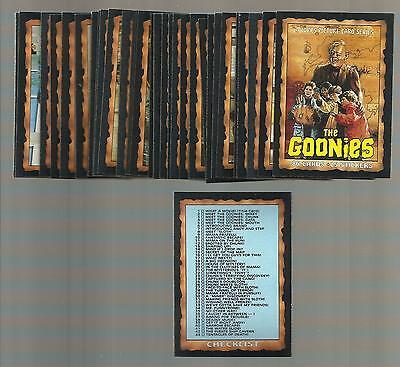 THE GOONIES 1985 TOPPS - Steven Spielberg -- Lot of 50 - NRMT