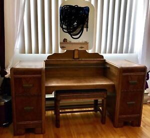 Coiffeuse/maquilleuse/commode antique