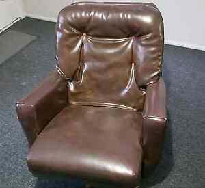 Comfy Rotating Swivel Arm Chair Glenorchy Glenorchy Area Preview