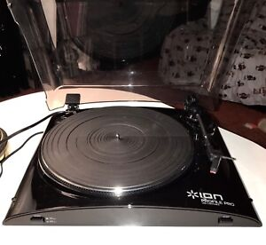 LIKE NEW!! Record Player USB Turntable by ION Tested NICE!