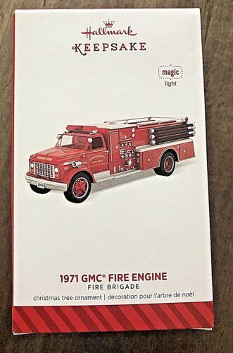 """Hallmark 2014 """"1971 GMC Fire Engine"""" Magic #12 in the Fire Brigade Series - EUC"""