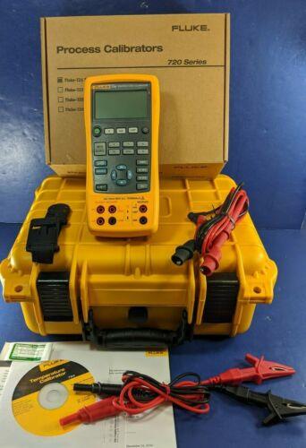New Fluke 724 Temperature Calibrator, Hard Case, Accessories