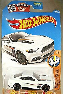 2016 Hot Wheels #121 Muscle Mania 1/10 2015 FORD MUSTANG GT White Variation wPr5