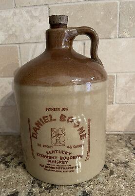Vtg. 1974 Daniel Boone Kentucky Straight Bourbon WHISKEY JUG 4/5 Quart
