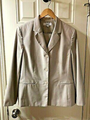 Le Suit Essentials Business Jacket Pant Suit ~ Poly Rayon ~ Beige ~ Women's 18
