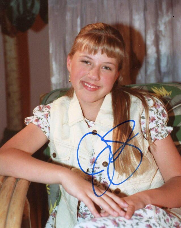 "Jodie Sweetin ""Full House"" AUTOGRAPH Signed 8x10 Photo ACOA"