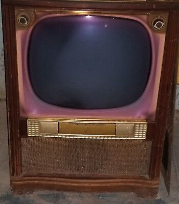 """1955 Vintage Zenith Television 24"""" Model T2670R, Walnut Finish in good condition"""