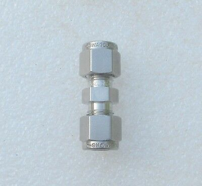 Swagelok 14 Tube Stainless Steel Fitting Union Ss-400-6 Several Available New