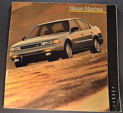 1989 Nissan Maxima Catalog Sales Brochure Excellent Original 89