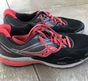 Saucony women's sz 8 running shoes