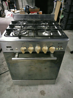 Stanless Gas cooktop and electric oven for sale.600mm.