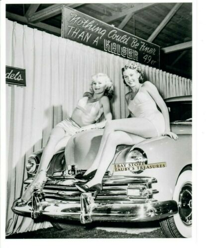 8x10 Photo 1949 KAISER AUTOMOBILE CAR SHOW BEAUTIFUL WOMEN GIRLS ON HOOD Ad Sign